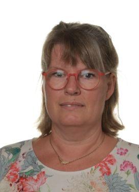 Anita Schalburg (L)
