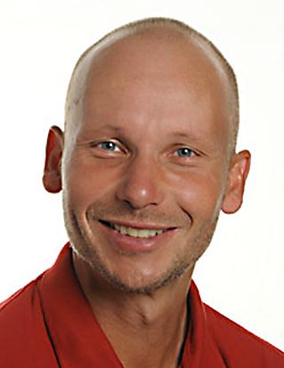 Sonny Krag (L)